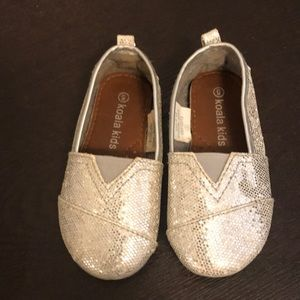 Other - Toms style toddler shoes size 5